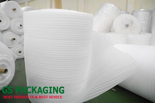 cuộn mút xốp pe foam 2mm dài 150m màu trắng
