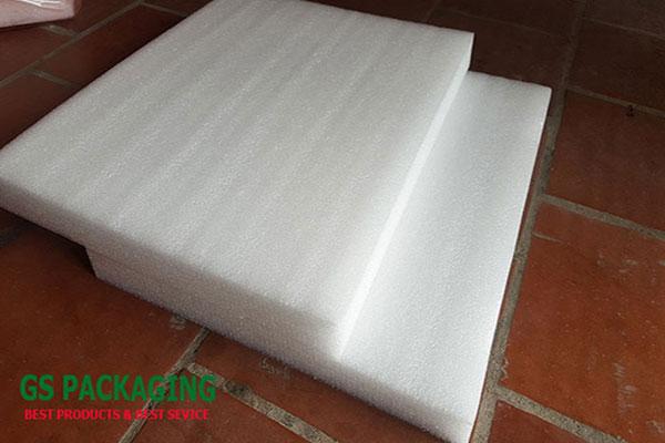 Hình ảnh tấm mút xốp trắng dầy 5cm bán lẻ tại Hà Nội